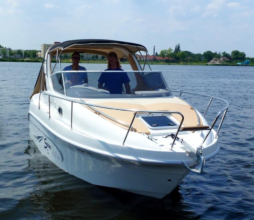 Saver 650 Cabin bei Schütze-Boote Berlin