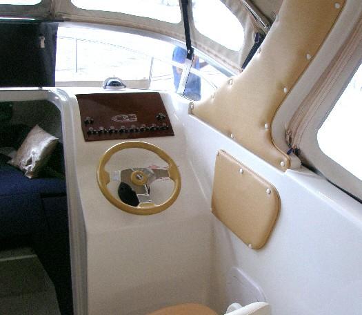 Saver 620-Cabin bei Schütze-Boote Berlin
