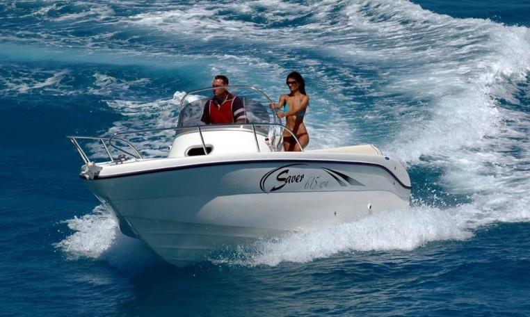 Saver 615 WA -- sportliches WalkAround-Konsolenboot. bei Schuetze-Boote Berlin