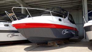 Saver-650-Cabin-New-Generation bei Schütze-Boote Berlin | Saver-Modelle sind auch in individuellen Sonderfarben erhältlich