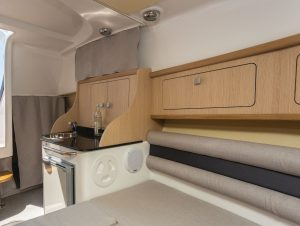 Saver-830-Cabin Einbau-Schränke | Schütze-Boote Berlin