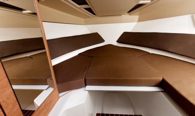 FLIPPER-Boote, elegante Daycruiser und Sportboote bei Schütze-Boote Berlin kaufen. Trailerbar. Motorboote aus Finnland/Scandinavien.