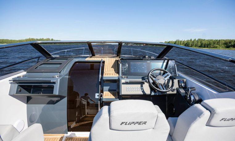 Flipper 900 DC | Schütze-Boote Berlin | Eleganter sportlicher Daycruiser mit echten Cruiser-Qualitäten